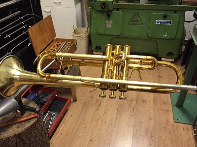 This King 1501 trumpet from 1978 just received a new duplicate leadpipe and the bell is as good as new. This instrument is nearly ready for new lacquer.
