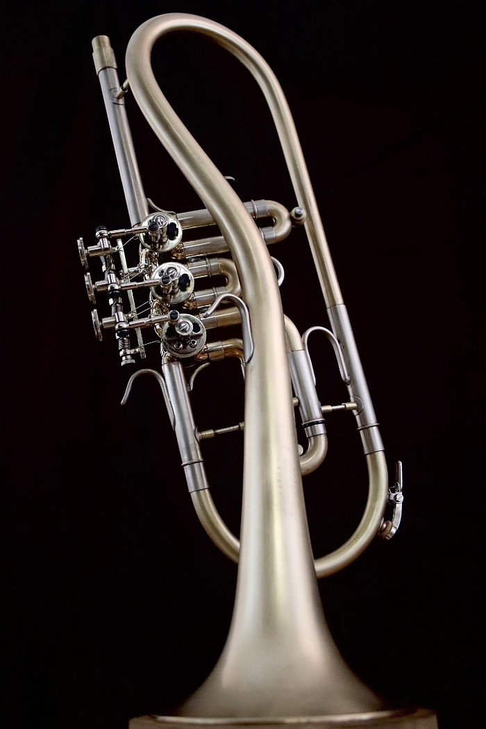 Top Action Twister Bb Trumpet